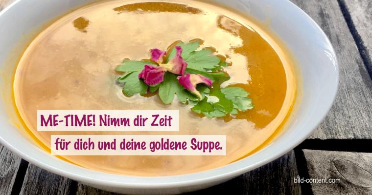 Einfach & vegan: goldene Gemüsesuppe
