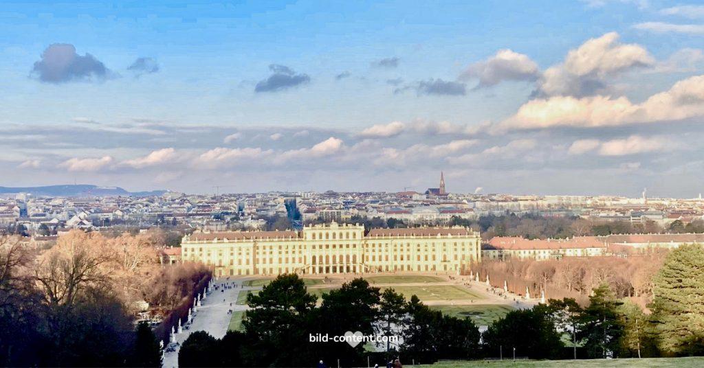 Blick auf Schloss Schönbrunn von der Gloriette, ©astrid eishofer